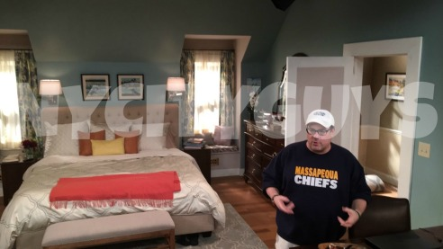 kevin-can-wait-director-watermark